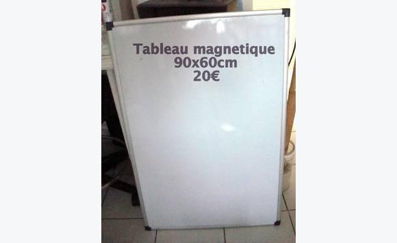 Tableau magn tique annonce vide maison baie nettle for Ikea tableau magnetique