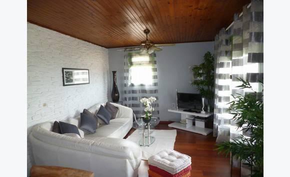 coquet t3 meubl 1 190 locations appartement les trois lets martinique. Black Bedroom Furniture Sets. Home Design Ideas